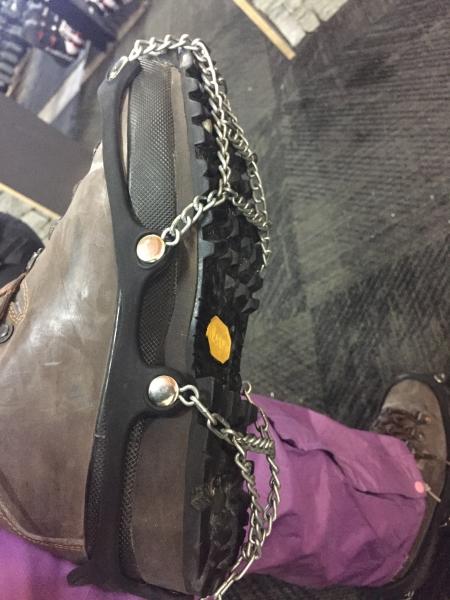 ブーツにつけるチェーン
